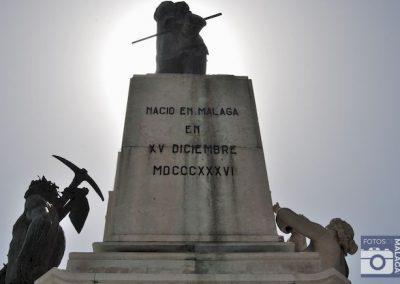 malaga-centro-detalle-estatua-marques-de-larios